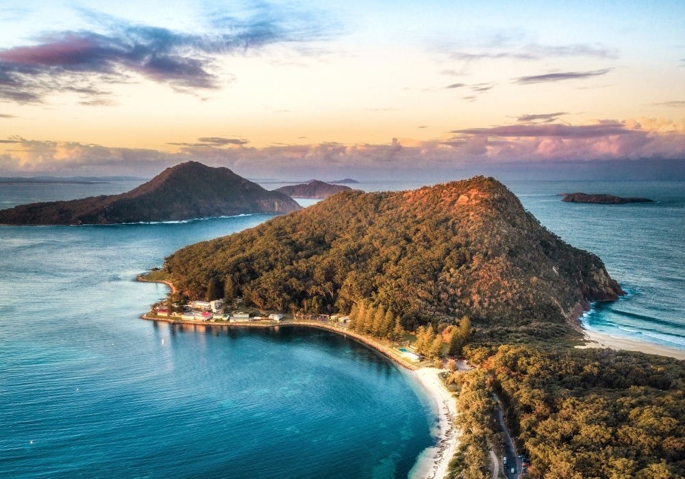 Discover magnificent Mt Tomaree and the Port Stephens NSW region for your next holiday.